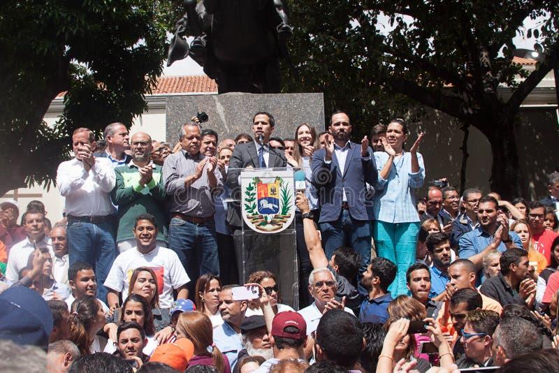 Presidente provvisorio del ³ del Venezuela Juan Guaidà che parla ad una riunione di città a Caracas fotografia stock