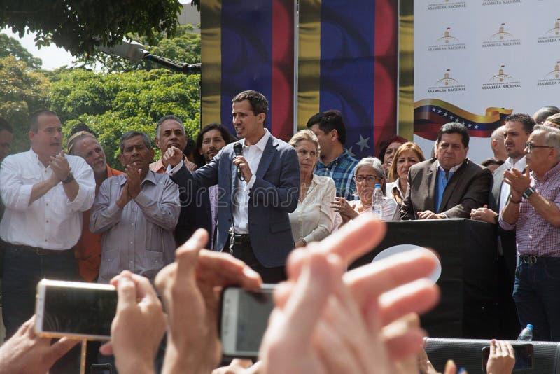 Presidente provvisorio del ³ del Venezuela Juan Guaidà che parla ad una riunione di città a Caracas fotografie stock