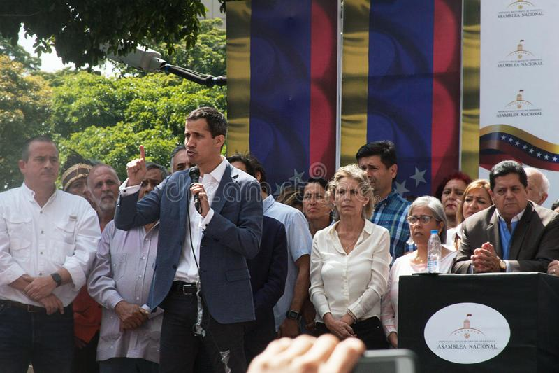 Presidente provvisorio del ³ del Venezuela Juan Guaidà che parla ad una riunione di città a Caracas immagine stock libera da diritti