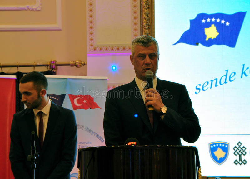 Presidente recentemente eleito de Kosovo Hashim Thaqi em Prizren imagens de stock royalty free