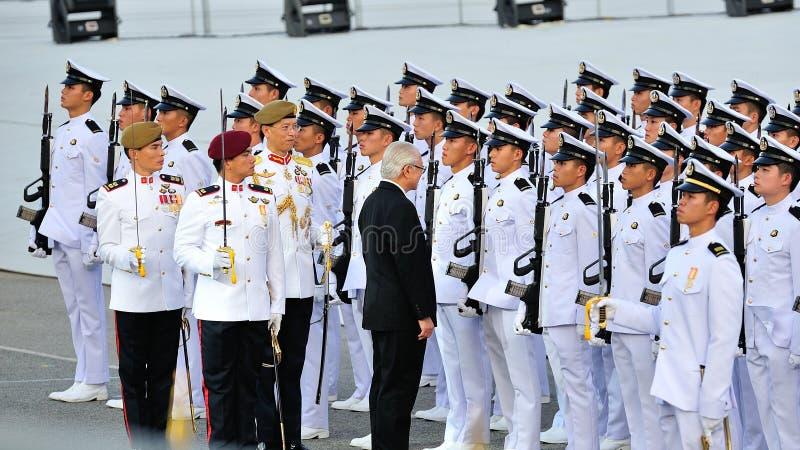 Presidente Tony Tan che ispeziona contingente fotografia stock libera da diritti