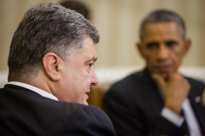 Presidenter Barack Obama och Petro Poroshenko arkivbild