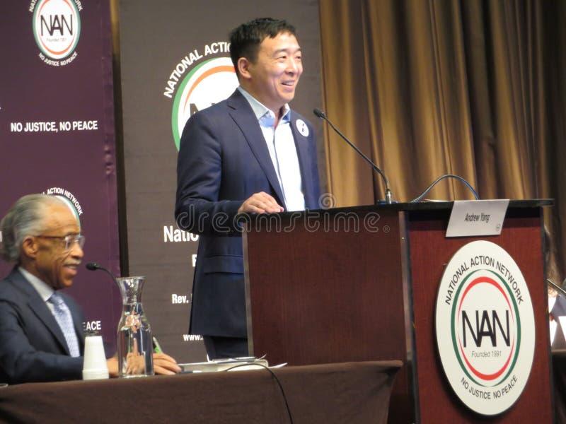 Presidentiële kandidaat Andrew Yang en Al Sharpton stock afbeelding