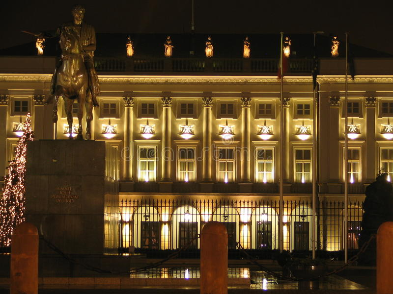Presidential Palace in Warsaw (Poland) by night. Current building is a classicist version of a construction from 1643. It started its governmental role in 1818 stock images