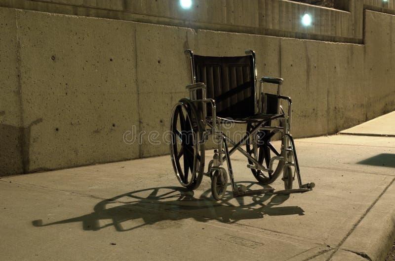 Presidenza di rotella abbandonata fotografia stock