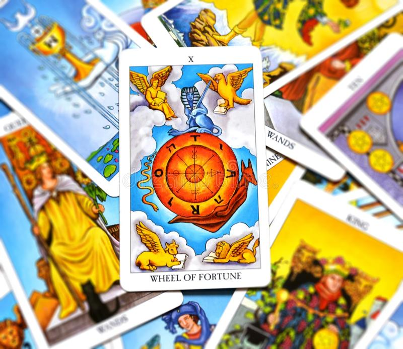 Presságio da abundância do crescimento do cartão de tarô da roda da fortuna bom ilustração do vetor