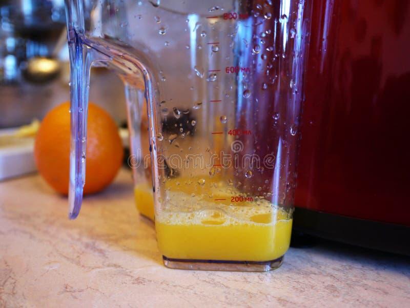 Presse-fruits de fruits et légumes Utilisé pour faire des jus et des smoothies à la maison images stock