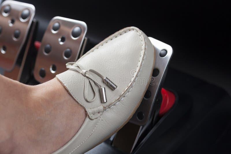 Pressionando o pedal de gás imagens de stock royalty free