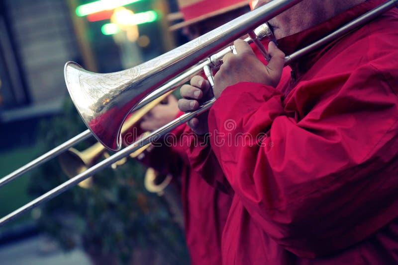 Prestaties van een jazzband stock foto