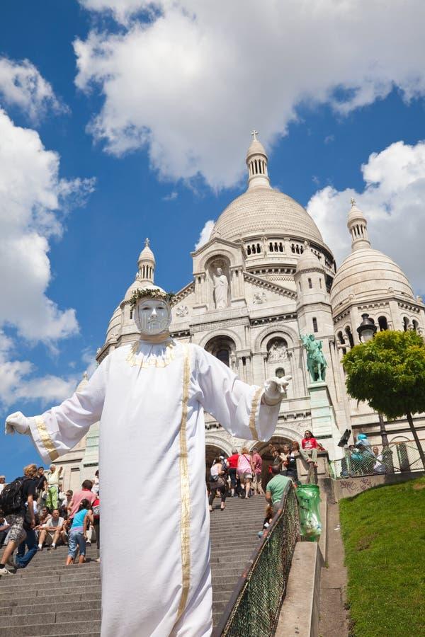 Prestazione ai portelli del Sacre Coeur fotografia stock libera da diritti