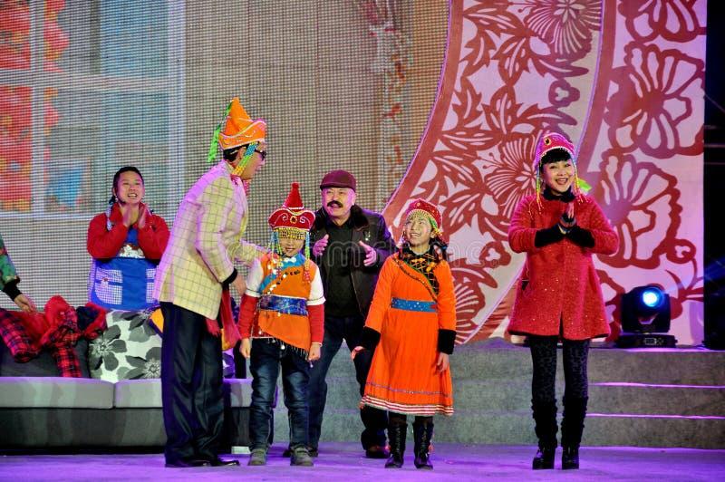Prestazione cinese di Somedy di schizzo sul festival di lanterna fotografia stock libera da diritti