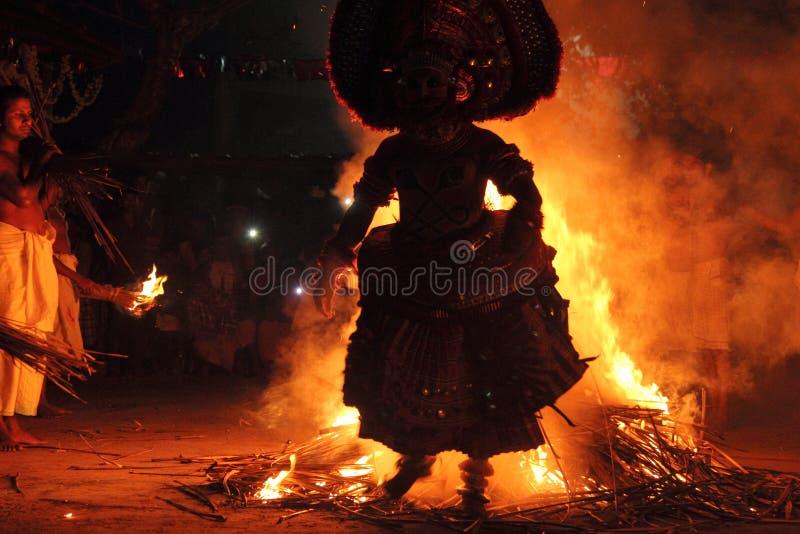 Prestazione di Theyyam fotografia stock libera da diritti