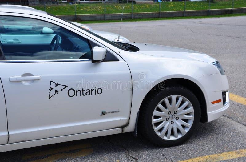 Preste serviços de manutenção ao carro de Ontário fotografia de stock