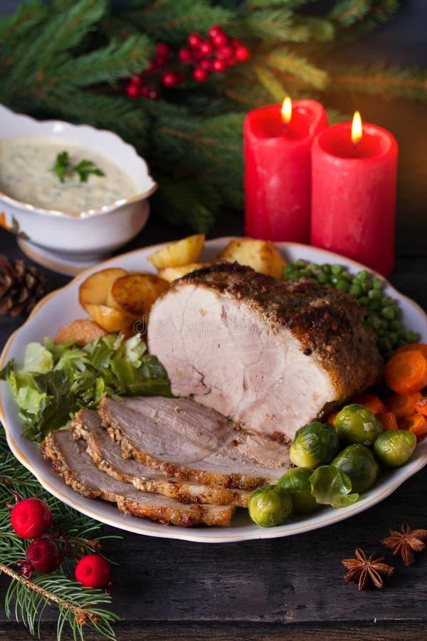 presunto cozido com legumes decorações de Natal Dish para Chri imagens de stock