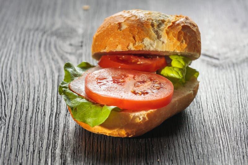 Presunto, sanduíche submarino da salada fotografia de stock