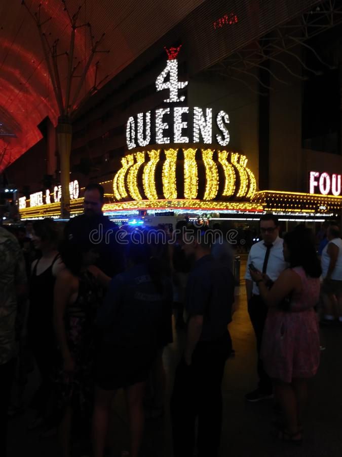 Pret bij Vier Queenscasino in de avond royalty-vrije stock afbeeldingen