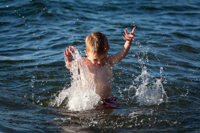 Pret in het water stock foto