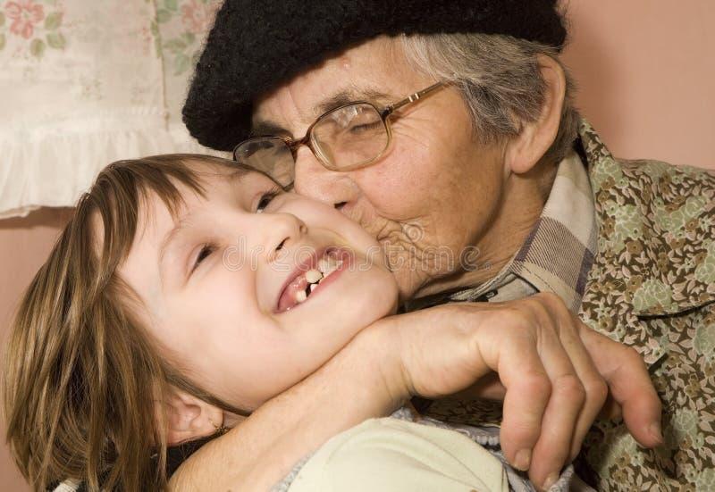 Pret van grootmoeder en kleinkind royalty-vrije stock foto