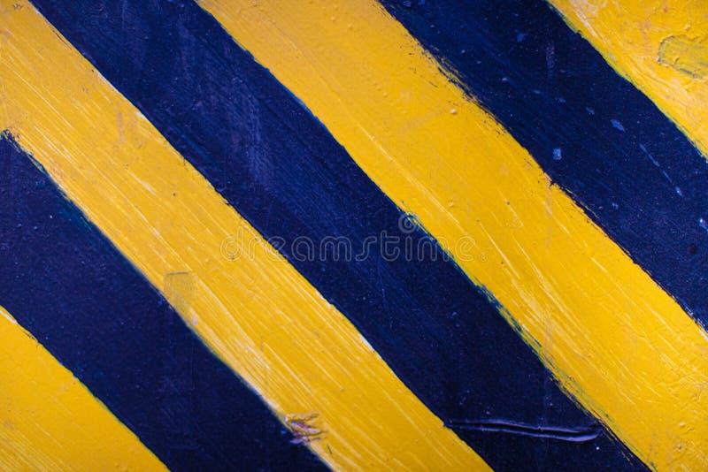 Preto e amarelo sob a construção assine sobre uma textura do grunge imagem de stock royalty free