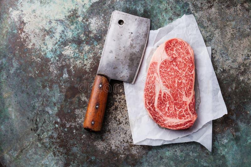 Preto marmoreado fresco cru Angus Steak Ribeye da carne foto de stock royalty free