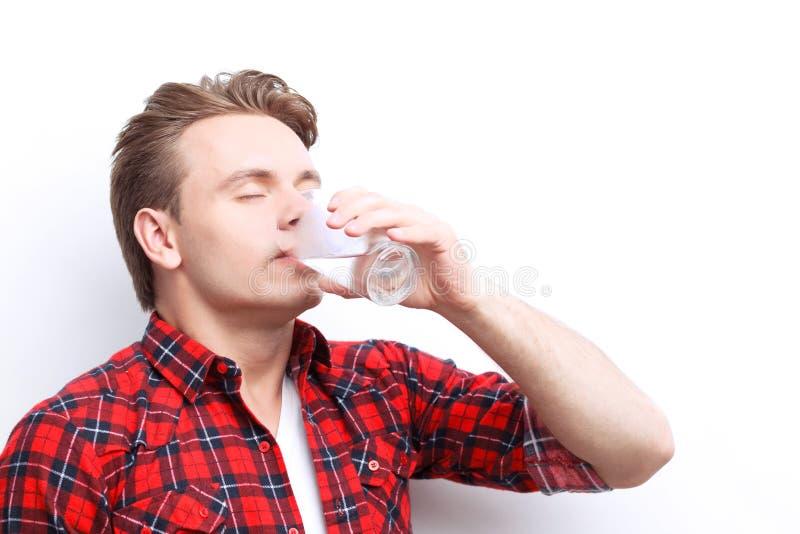 Prettig kerel drinkwater royalty-vrije stock foto