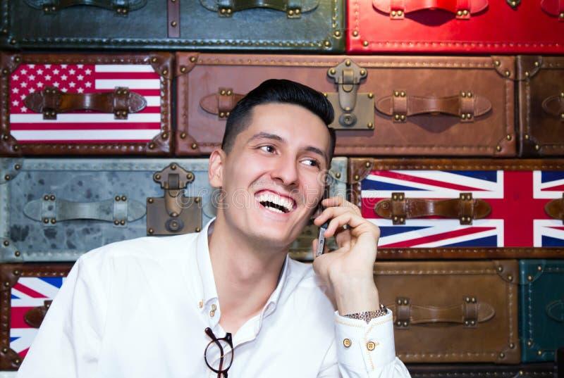 Prettig mobiel praatje royalty-vrije stock afbeeldingen