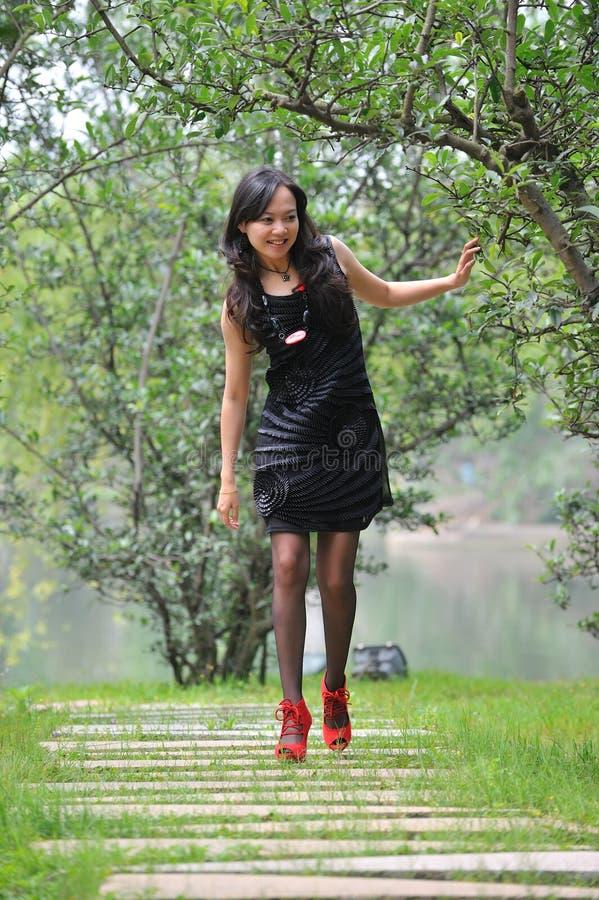 Free Pretty Asian Woman Walk Stock Photo - 14280110