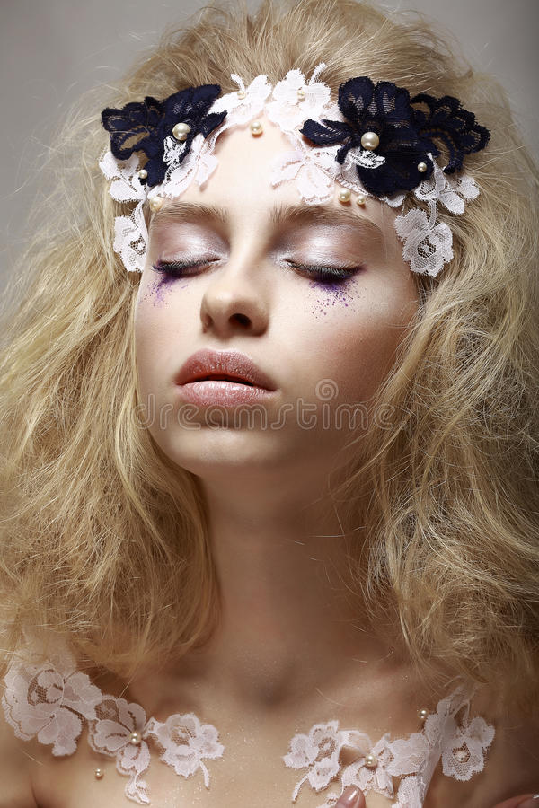 Free Pretty Girl With Fantastic Make Up Royalty Free Stock Photos - 30635218