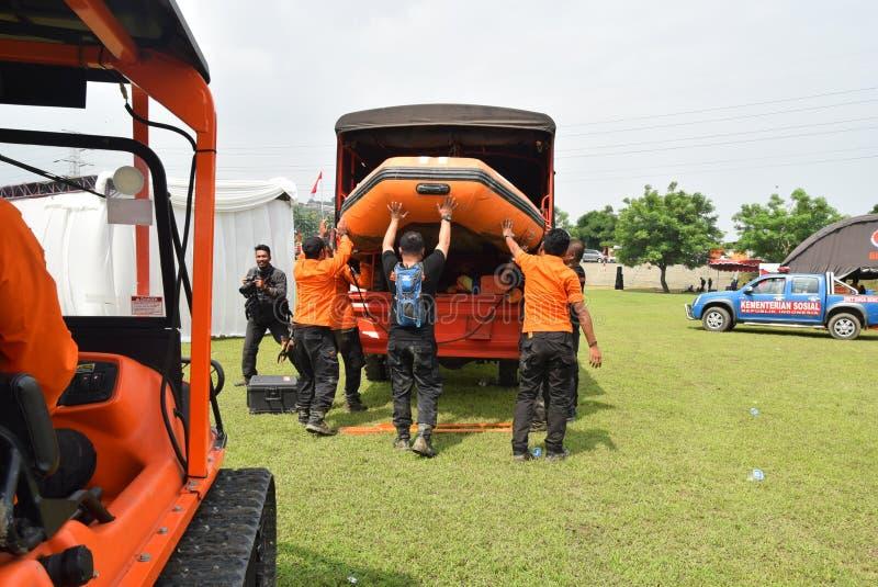 Prevenção de desastre da prontidão de Apel guardada no campo Semarang de Simongan fotografia de stock