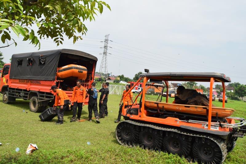 Prevenção de desastre da prontidão de Apel guardada no campo Semarang de Simongan foto de stock