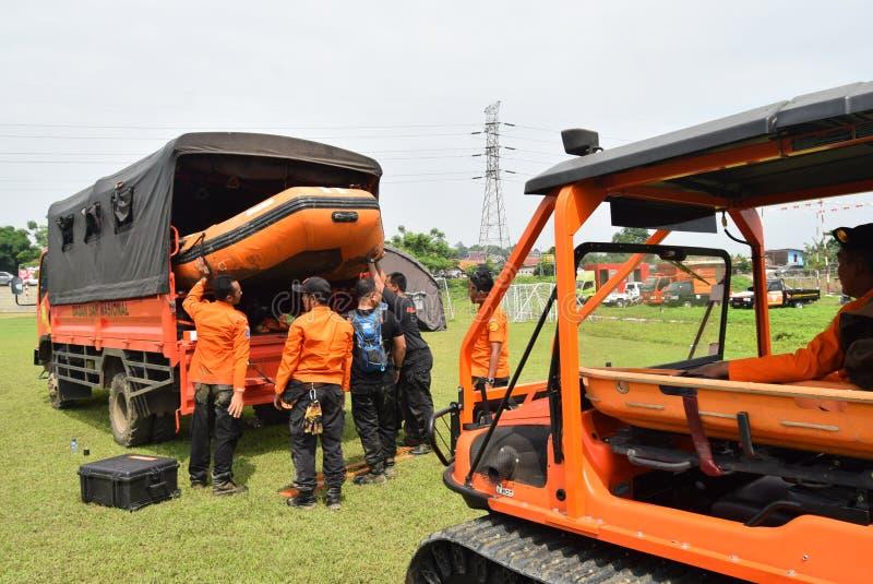 Prevenção de desastre da prontidão de Apel guardada no campo Semarang de Simongan fotos de stock