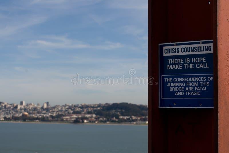 Prevención del suicidio en puente Golden Gate imagenes de archivo