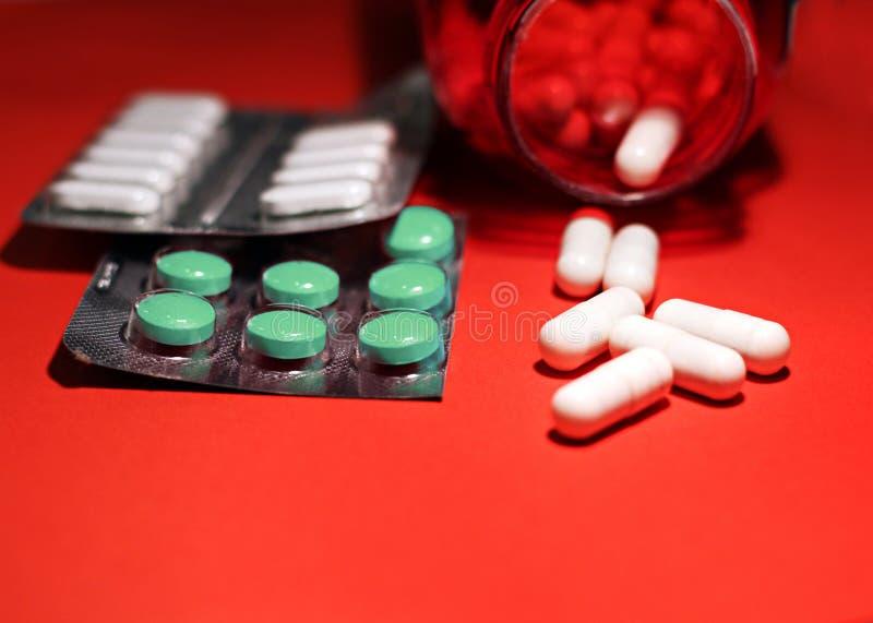 Preventivpillerar och annan förgiftar för olagliga dopa behandligar Apotekantibiotikum och lyckodrog fotografering för bildbyråer