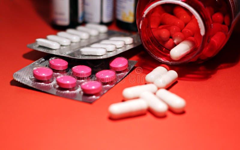 Preventivpillerar och annan förgiftar för olagliga dopa behandligar Apotekantibiotikum och lyckodrog royaltyfria foton
