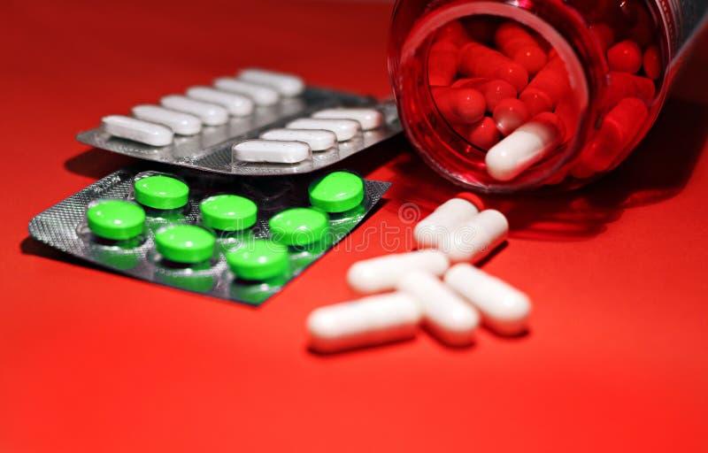Preventivpillerar och annan förgiftar för olagliga dopa behandligar Apotekantibiotikum och lyckodrog royaltyfri bild