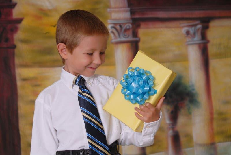 prezentów young obrazy royalty free