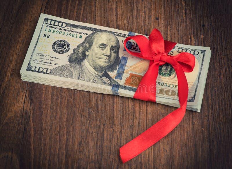 Prezent pieniądze zdjęcie stock