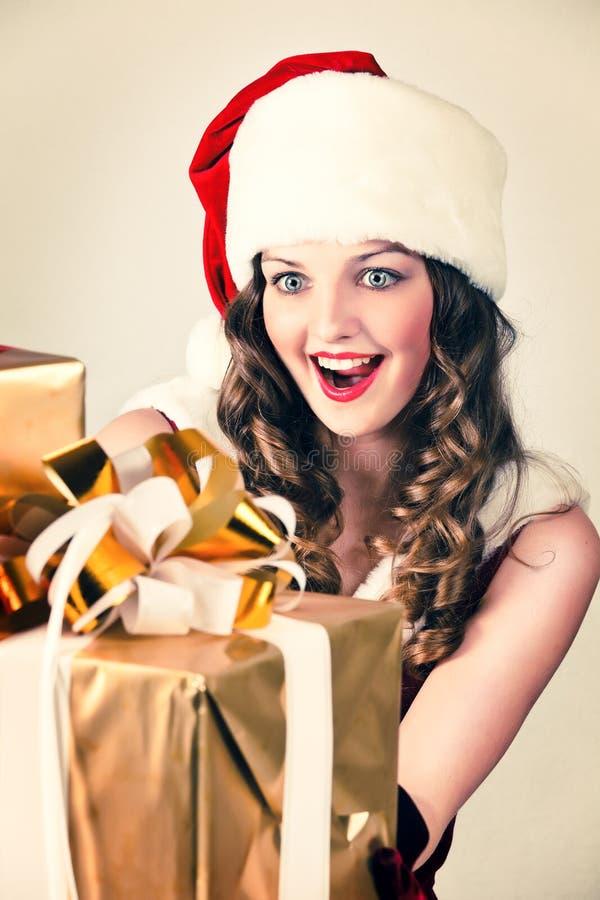 prezenta kapeluszowa Santa kobieta zdjęcie stock