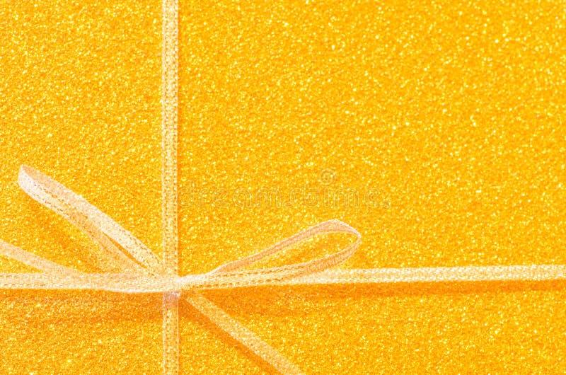 Prezenta złoty faborek obrazy royalty free