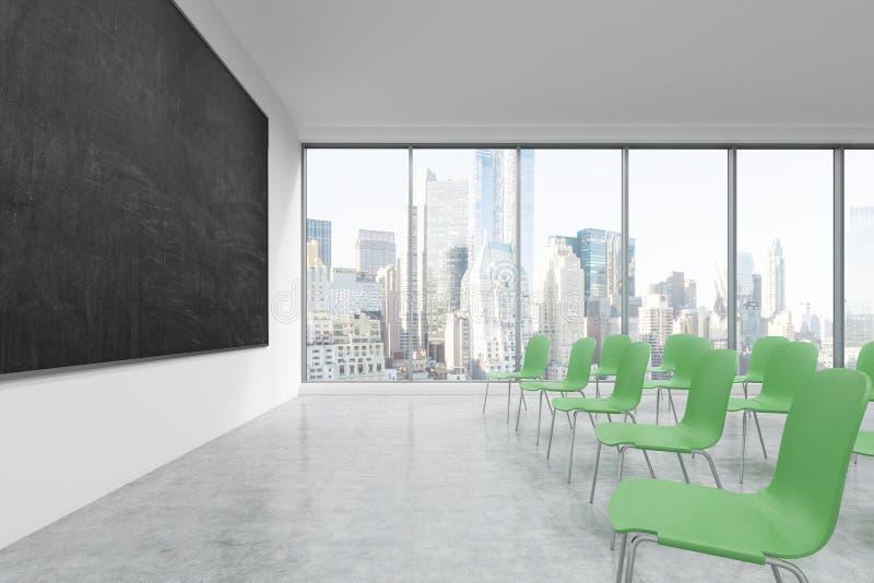 Prezentacja pokój w, sala lekcyjna lub Zieleni krzesła, czarny chalkboard na ścianie i panorami, royalty ilustracja