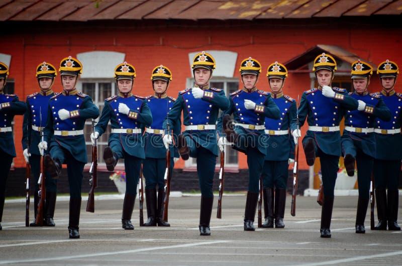Prezydenccy pułków żołnierze maszeruje i ćwiczy krótkopęd obrazy royalty free