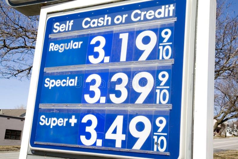 Prezzo della benzina immagini stock libere da diritti