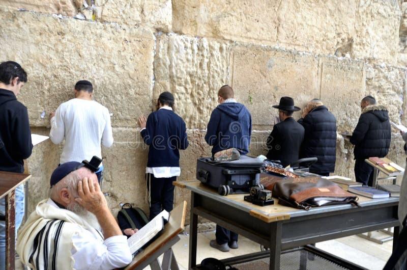 Prière au mur occidental photos libres de droits