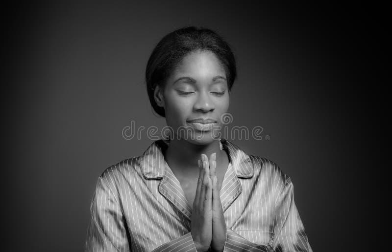 Prière d'isolement par modèle photo libre de droits