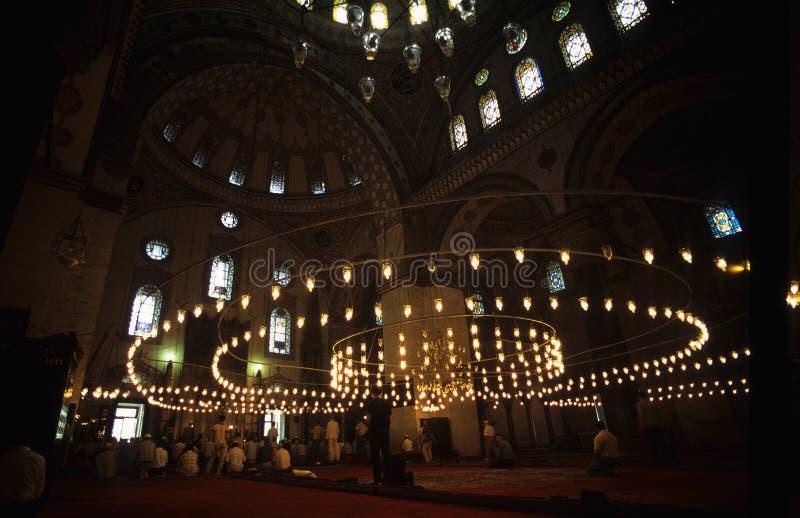 Prière dans l'église turque image libre de droits