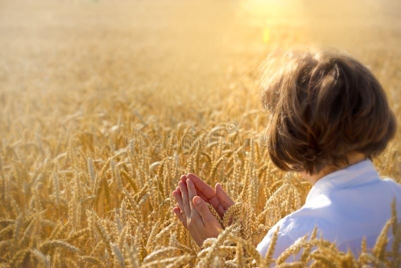 Prière de femme image libre de droits