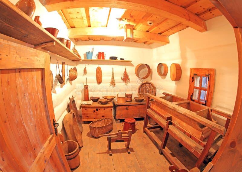 Pribylina - interior de la casa rural imagen de archivo