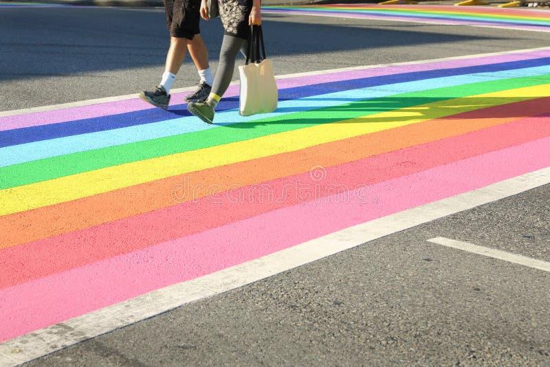 Pride Crosswalk Foot Traffic, Vancouver royalty-vrije stock afbeeldingen