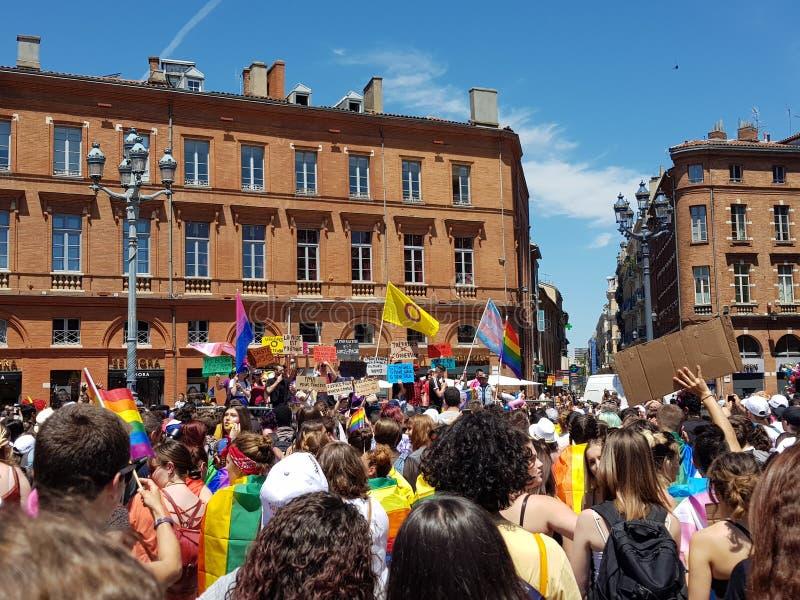 Pride March in de plaats van Capitole in Toulouse, Frankrijk royalty-vrije stock foto