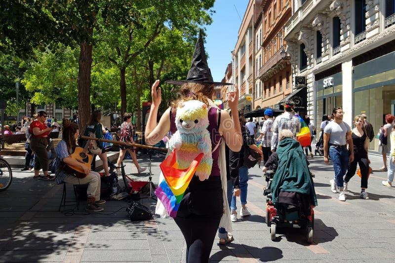 Pride March in de straten van Toulouse, Frankrijk royalty-vrije stock foto's